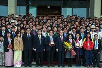 Chủ tịch Quốc hội Nguyễn Sinh Hùng gặp mặt đại biểu Tài năng trẻ Việt Nam