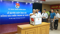 Trung ương Đoàn tổ chức quyên góp ủng hộ đồng bào miền Trung khắc phục thiệt hại bão số 10