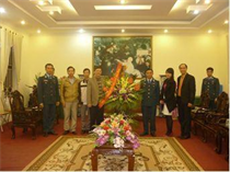 Lãnh đạo Trung tâm TTN Trung ương thăm và chúc mừng Trung đoàn 228