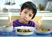 Làm sao với trẻ biếng ăn?