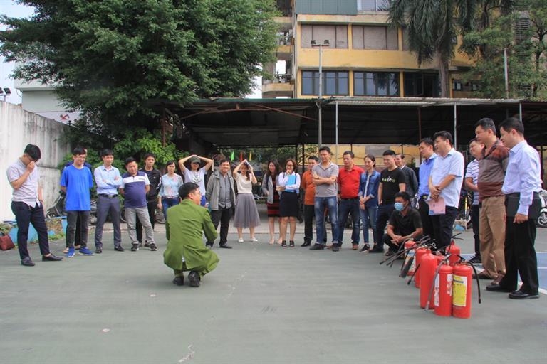 Huấn luyện nghiệp vụ Phòng cháy, chữa cháy cho lực lượng  phòng cháy chữa cháy và cứu nạn, cứu hộ cơ sở năm 2020