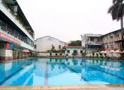 Mùa hè này bạn sẽ bơi ở đâu ? Hãy đến Bể bơi Nguyễn Quý Đức, quận Thanh Xuân